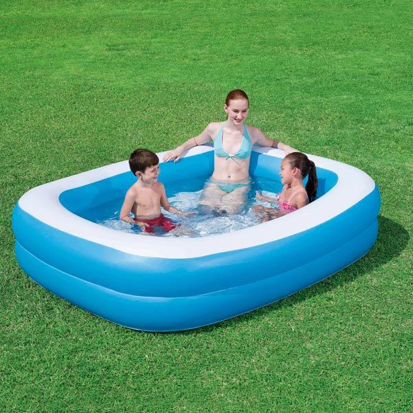 Zwembad Familie