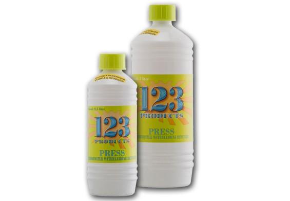 123 - Schoonwatertank en leidingreiniger 500 ml.